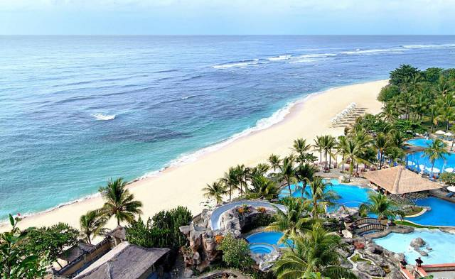 nikko-bali-resort-and-spa-beach
